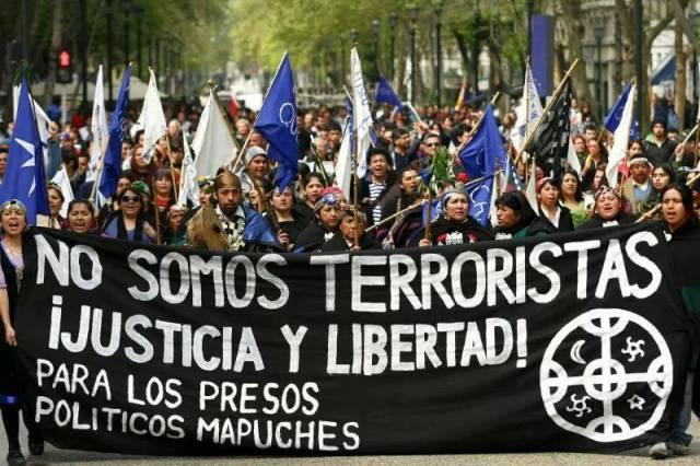 El pueblo mapuche de Chile libra una batalla constante por la defensa de sus territorios ancestrales.